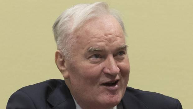 Der ehemalige bosnisch-serbische Militärchef Ratko Mladic ist zu lebenslanger Haft verurteilt worden