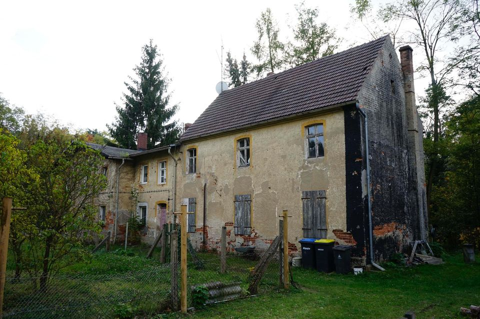Deutschland: Ein Dorf kommt unter den Hammer: Alwine in Brandenburg wird versteigert