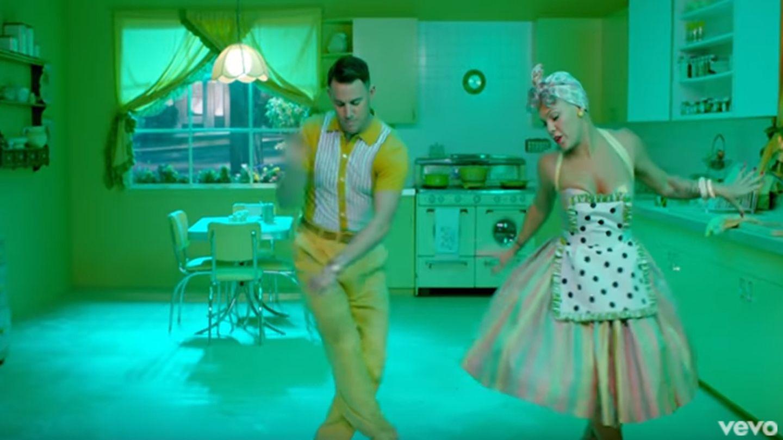 "Channing Tatum und Pink im Video zu ""Beautiful Trauma"""