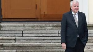 Horst Seehofer: Should I stay or should I go?