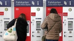 Fahrkartenkauf im Essener Hauptbahnhof