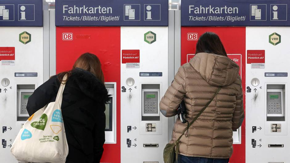 Widerstand gegen Ende der Förderung für NRW-Sozialtickets - Landespolitik