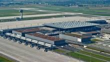 Blick auf die Baustelle des Flughafen BER
