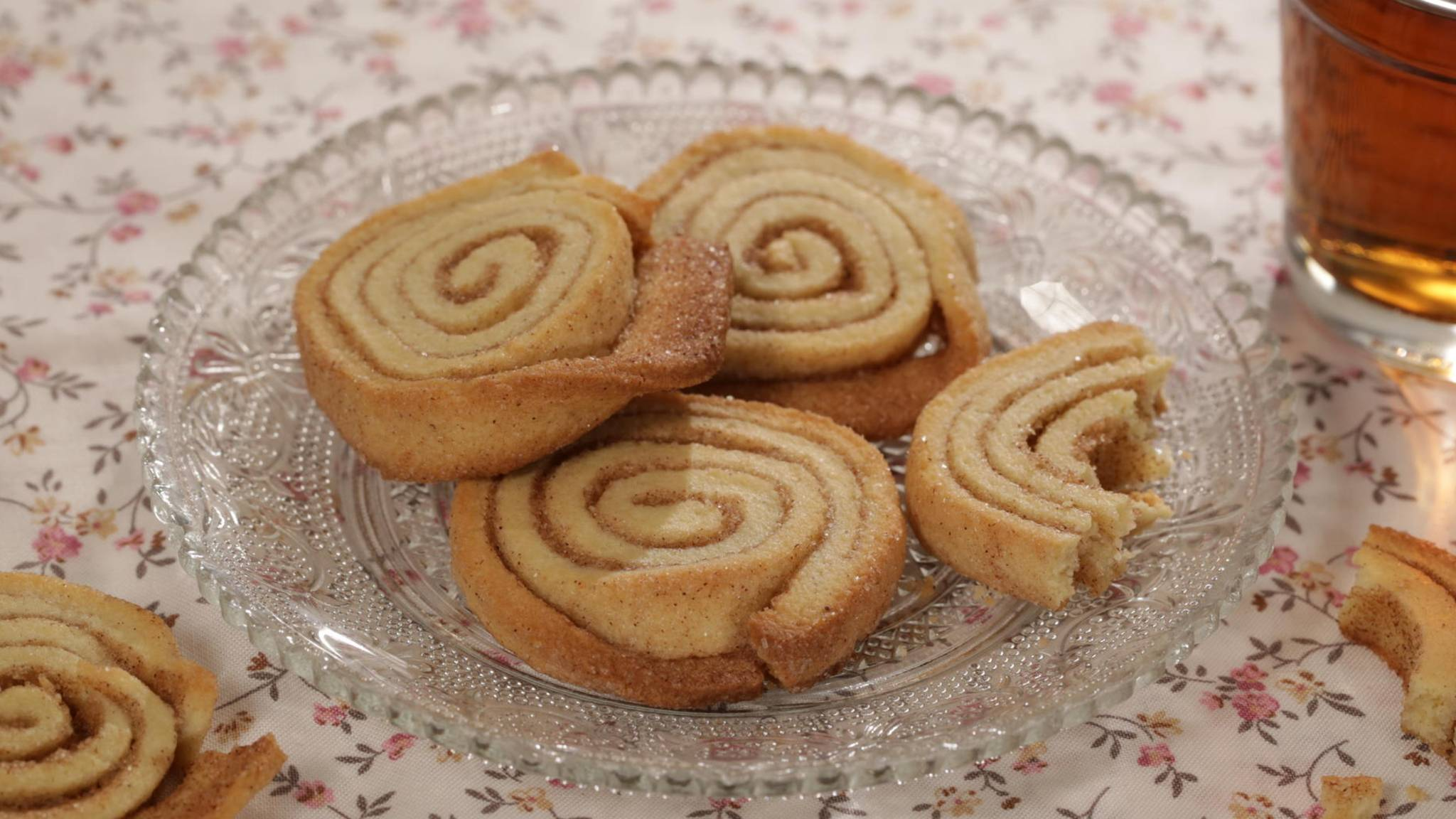 Rezept Zimtschnecken-Plätzchen: Weihnachtsbäckerei trifft Schweden