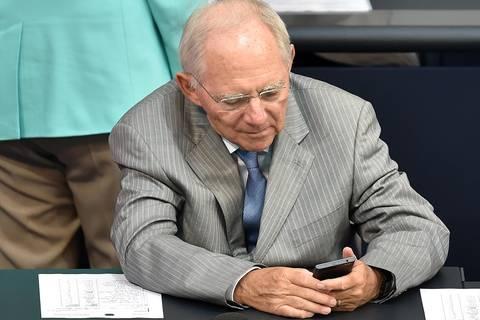 Regierungsbildung: Twitter-Verbot: Schäuble greift im Bundestag durch