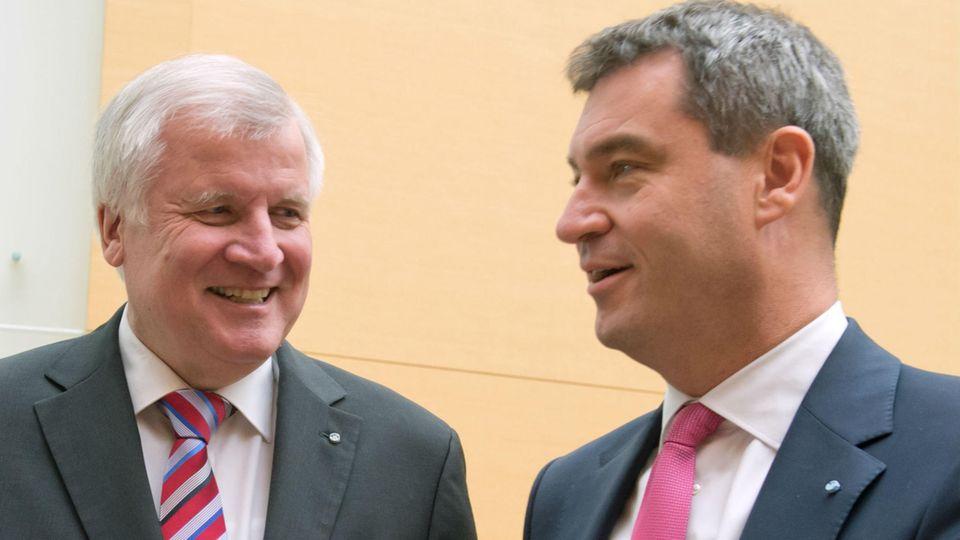 BayernFinanzminister Markus Söder (r.) möchte nichts sehnlicher, als endlich Horst Seehofer im Amt des bayerischen Ministerpräsidenten zu beerben.