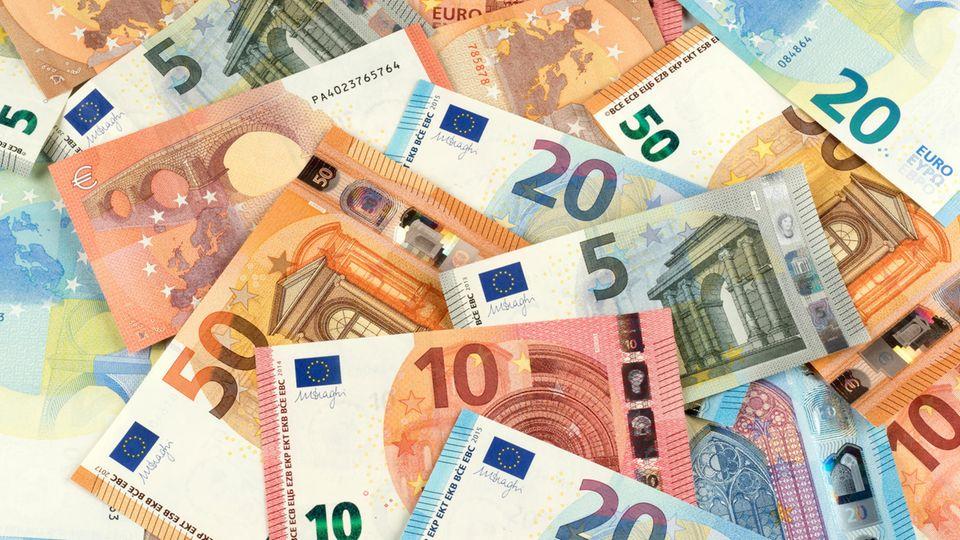 Einkommen: Forscher haben nachgerechnet: So viel Gehalt macht wirklich glücklich