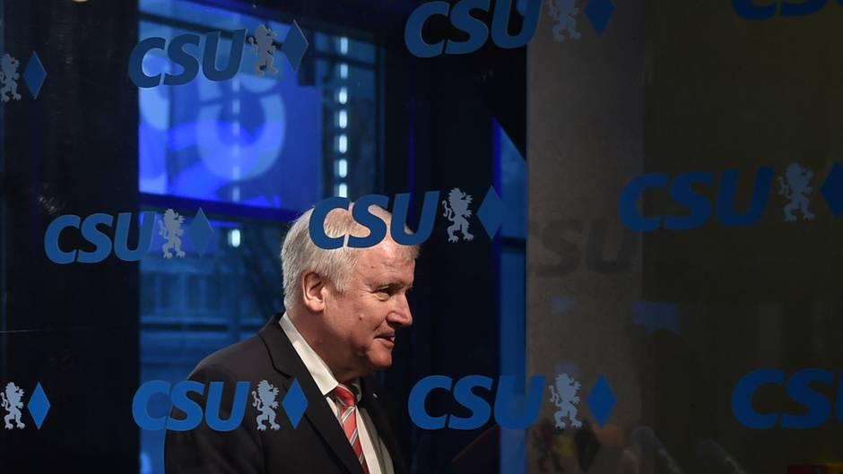 """Noch nicht """"alles klar"""": Seehofer lässt Zukunft im CSU-Vorstand zunächst offen"""