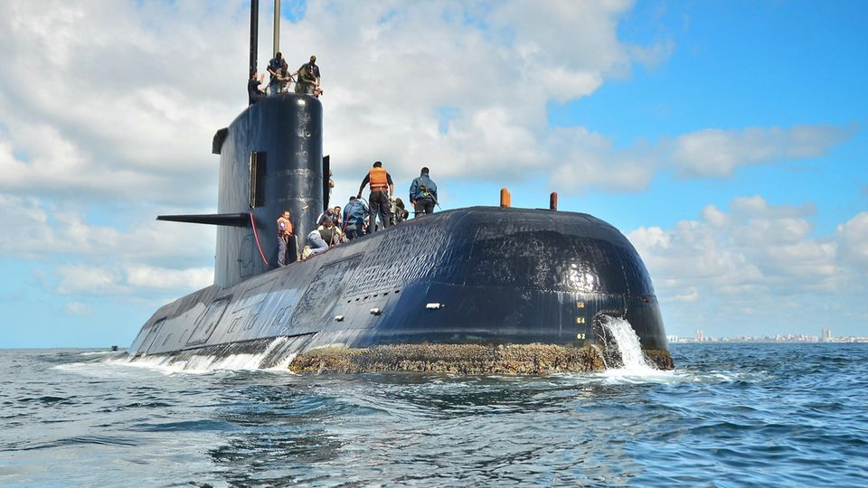 U-Boot vor Argentinien verschollen: Marine meldet Explosion - Wut bei Angehörigen