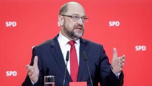 Martin Schulz will SPD-Mitglieder über mögliche Regierungsbeteiligung abstimmen lassen