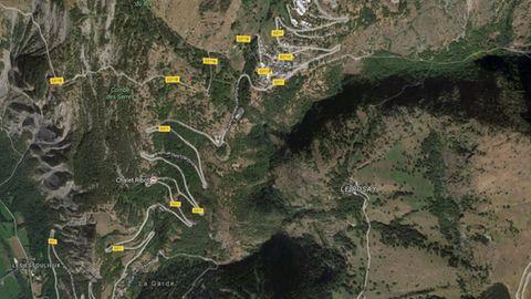Der Ort des Busunfalls: Die D211 bei Alpe d'Huez