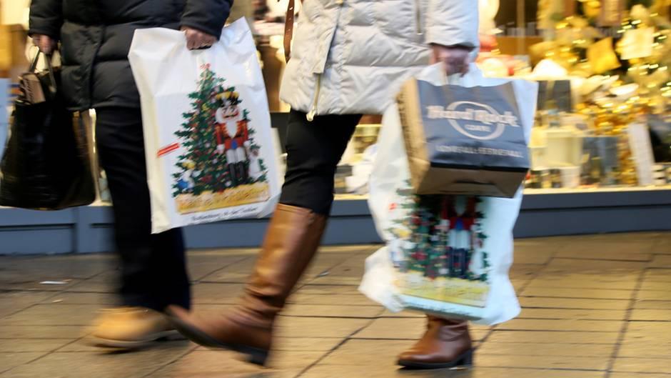 Ladenöffnung in der Weihnachtszeit: Warum die Debatte um ...