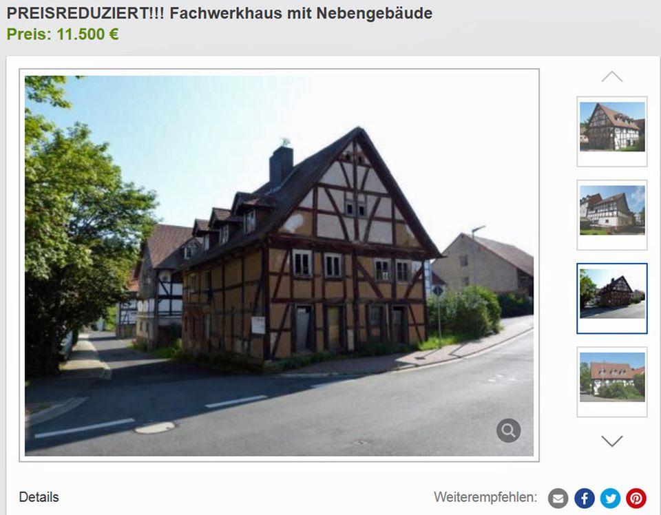 In Hessen steht dieses Fachwerkhaus für 11.500 Euro zum Verkauf.