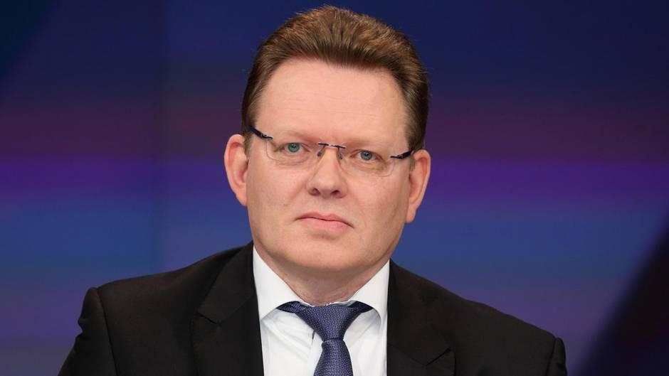 Der Bürgermeister von Altena, Andreas Hollstein, ist mit einem Messer attackiert worden