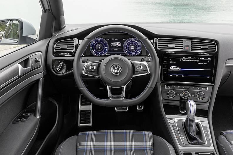 Das Cockpit entstammt dem herkömmlichen Golf GTE