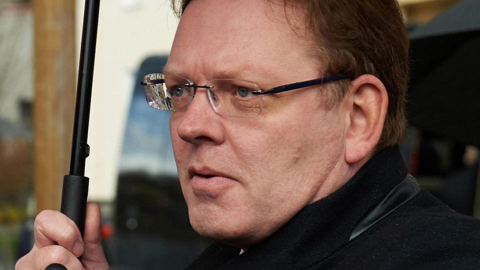 Bürgermeister von Altena spricht über Messerattacke - die Pressekonferenz im Liveblog