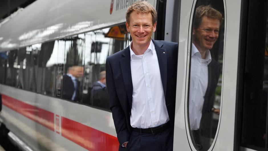Bahnchef gibt Pünktlichkeitsziel für 2017 auf