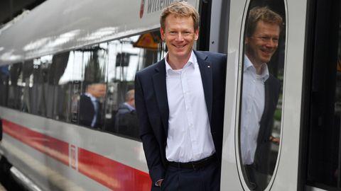 """Bahn-Vorstandschef Richard Lutz:""""Wir sind bei der Pünktlichkeit noch nicht da, wo wir hin wollen."""""""
