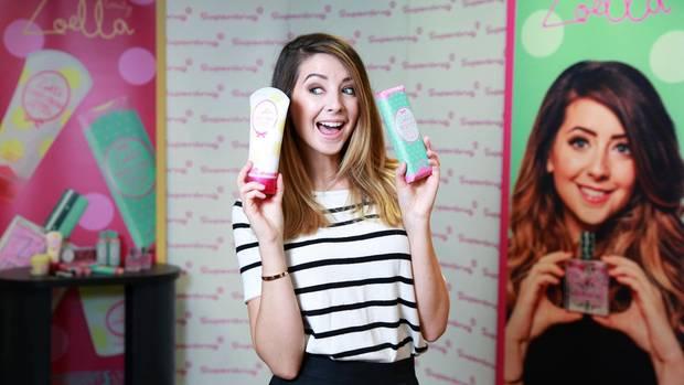 Youtube-Star Zoella alias Zoe Sugg bei einer Produktvorstellung