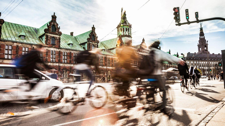 Der ewige Krieg zwischen Auto- und Radfahrern wird gern mit unbewiesenen Behauptungen geführt. Die Stichprobe in Hamburg räumt mit manchen Mythen auf.