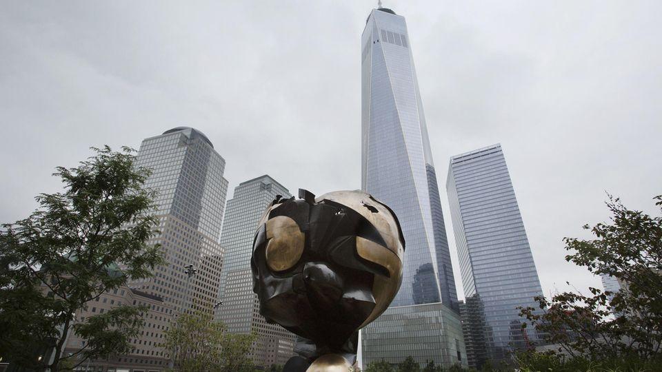 Fritz Koenig The Sphere im Liberty Park in New York