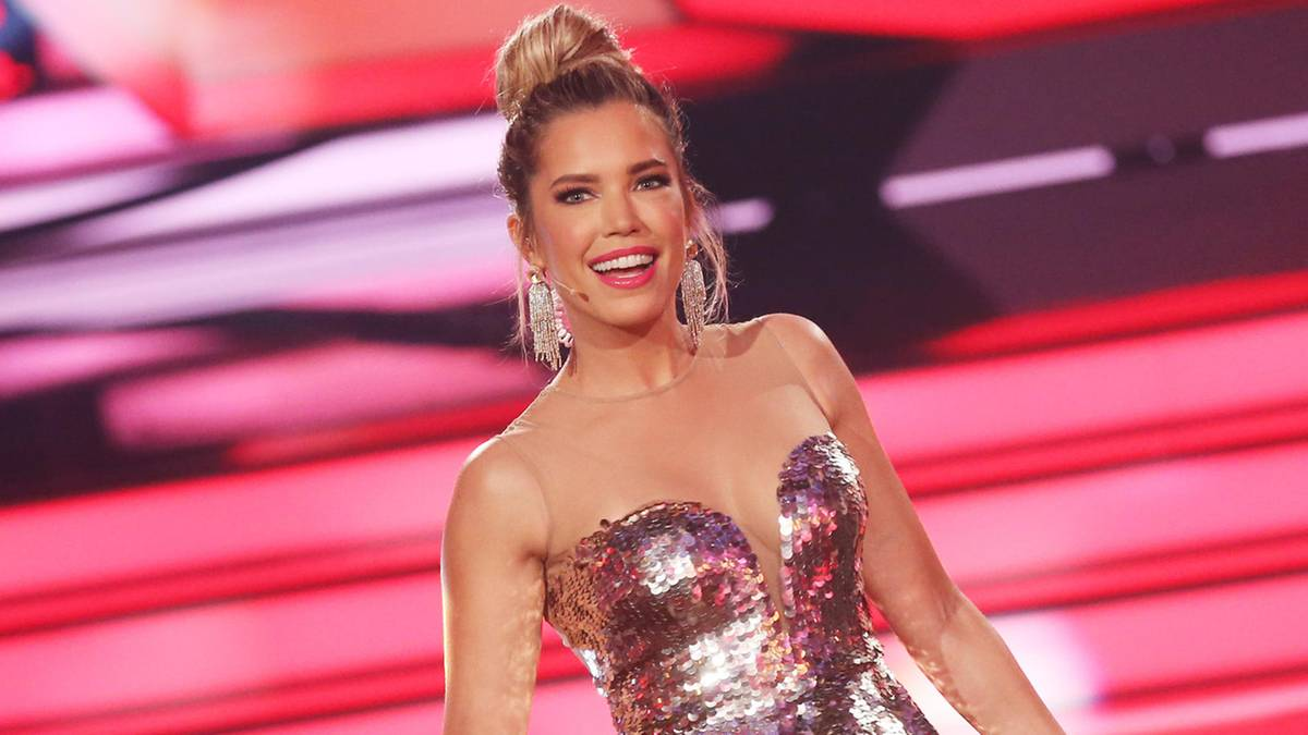 sylvie meis rtl trennt sich von let 39 s dance moderatorin. Black Bedroom Furniture Sets. Home Design Ideas