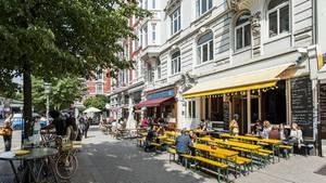 Das Schulterblatt ist mit seinen Kneipen, Shops und Bars die Lebensader des Schanzenviertels.