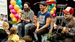 Als erste namhafte Band sind Jupiter Jones bei den Kinderklinik Konzerten aufgetreten.