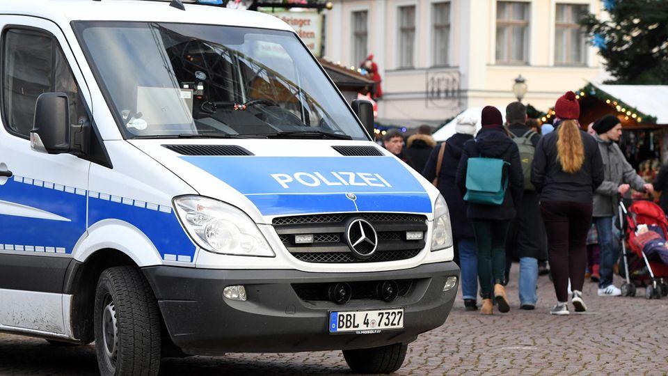 Paketbombe am Potsdamer Weihnachtsmarkt: Hintergrund ist DHL-Erpressung