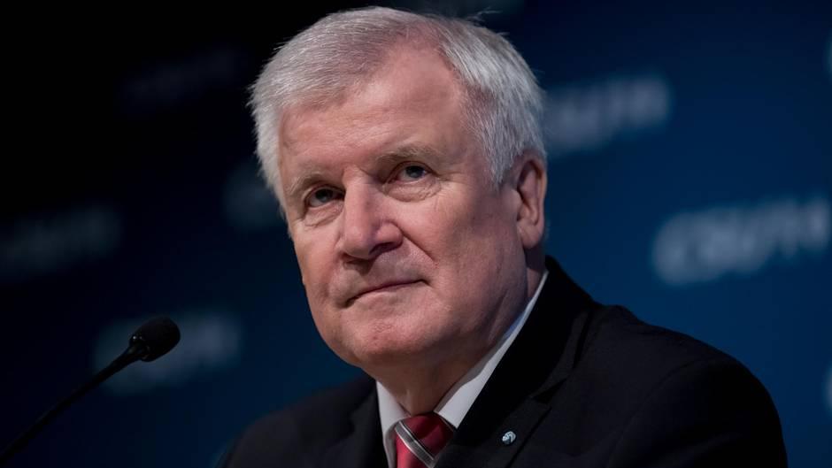 Horst Seehofer und die CSU-Spitze haben über das weitere Vorgehen im laufenden Machtkampf um die Spitzenposten beraten