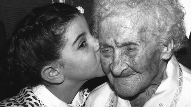 Jeanne Calment an ihrem 121. Geburtstag. Die Französin starb 1997 mit 122 Jahren.