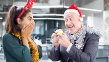 Weihnachtsfeier Was Tun.Knigge Für Die Weihnachtsfeier Diese Dinge Sollten Sie Vermeiden