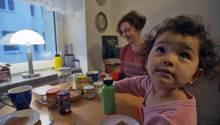 Hannah Reuter (35) und ihr Mann sind beide blind, während Töchterchen Mila sehen kann.