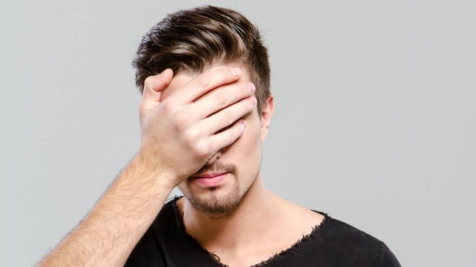 Fälliger Milf, der Ehemann betrügt