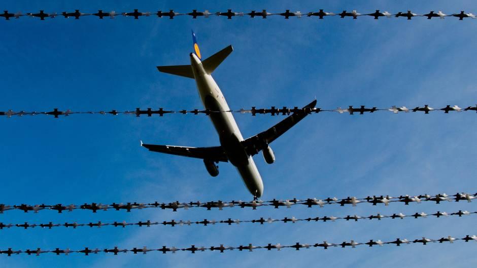 Deutsche Piloten stoppten Flüchtlingsabschiebungen - wie viele?