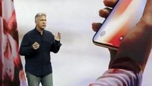 Phil Schiller bei der Präsentation des iPhone X