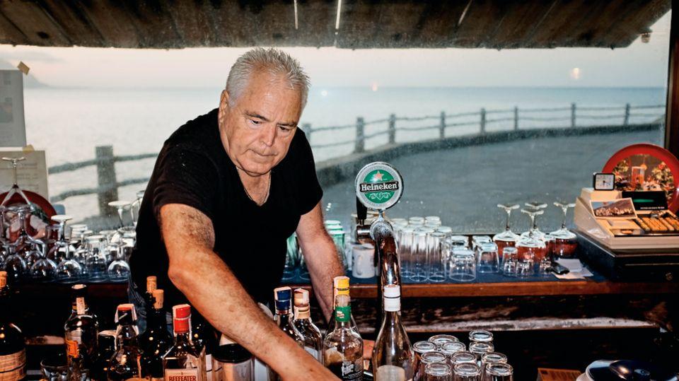 Miguel Torres an seinem Arbeitsplatz im Hotel Punta Grande