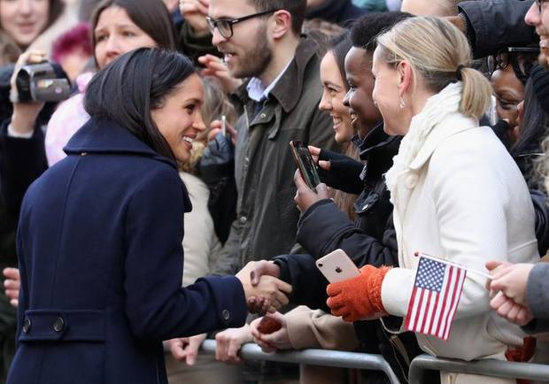 Meghan Markle mit Royal Fans in Nottingham