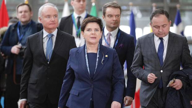Mateusz Morawiecki soll Polens Regierungschefin Szydloersetzen