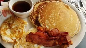 Pancakes, Bacon, Spiegelei, Denny's Diner