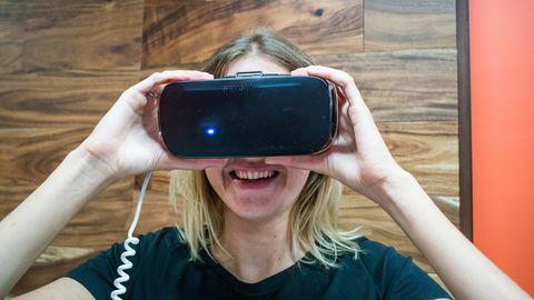 Der NEON-Dreier: Virtual-Reality-Pornos gibt es jetzt extra für Frauen. Also habe ich einen getestet.