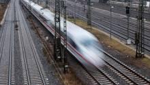 Ein Sonderzug der Deutschen Bahn am Bahnhof in München (Symbolbild)