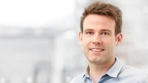 Google sagt, Karsten Borgmann mag Fotografieren und Badminton