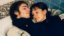 Amelie, 30, Architektin, und Philipp, 25, Auszubildender