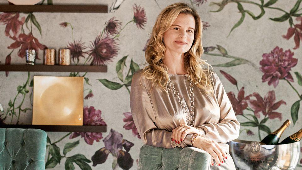 Ein Ende des Hypes ist nicht in Sicht, sagt Nadine Metgenberg, Wedding-Planerin für die Luxusklasse. Hier in ihrem Hamburger Showroom