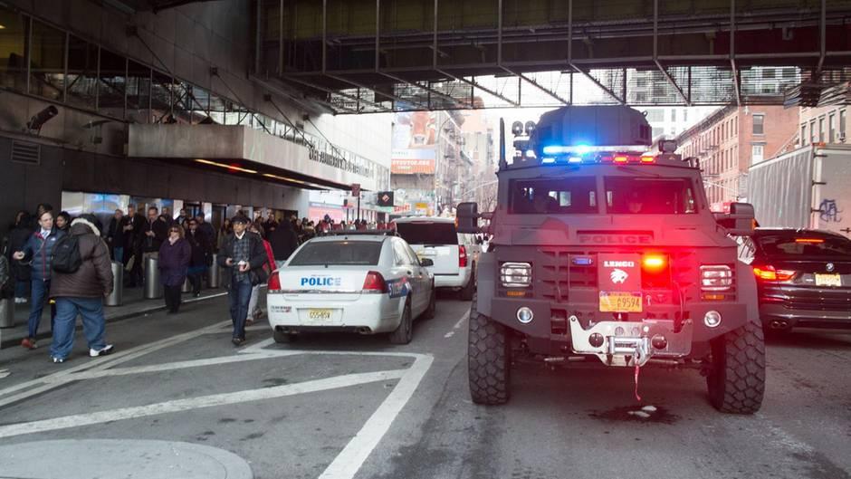 Anschlagssversuch in New York: Explosion erschüttert Busbahnhof in Manhattan