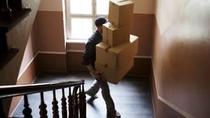 Paketboten sind kurz vor Weihnachten im Dauereinsatz