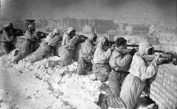 Die Soldaten der Roten Armee waren im Gegensatz zu den Deutschen mit Winterkleidung versehen.