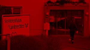 Mord im Altenheim: Drei Pfleger stehen vor Gericht