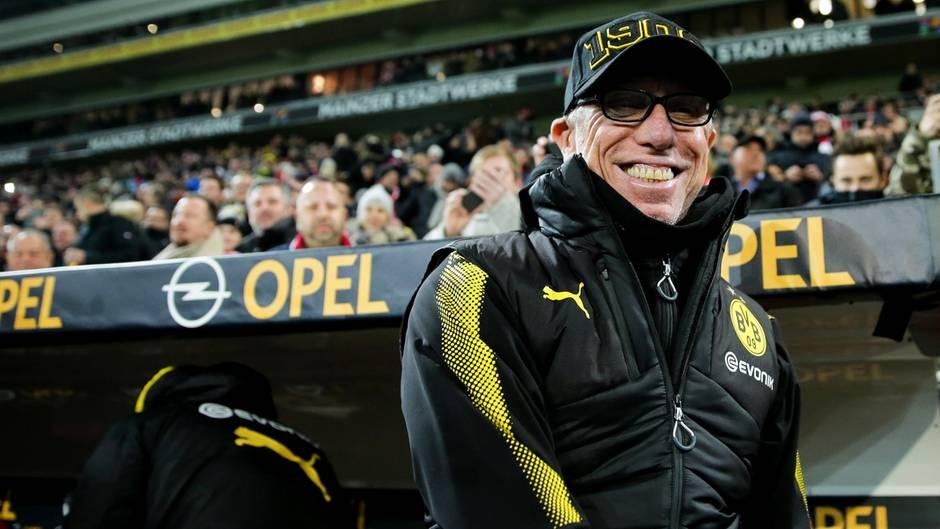 """""""There is only one Peter Stöger"""": So euphorisch feiern BVB-Fans ihren neuen Trainer"""